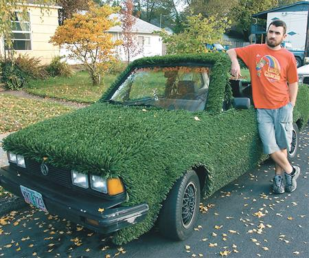 Astroturf Car (Jacques Chiron / Daily Barometer)
